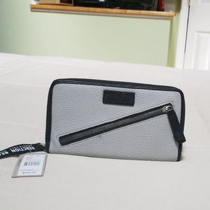 KENNETH COLE Wallet/Clutch